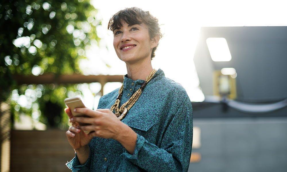 آیا موبایل، احساس خوشبختی شما را زیاد می کند؟