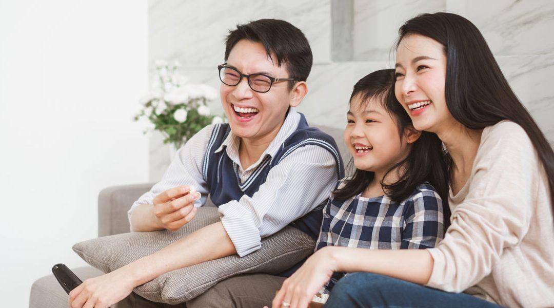 احساس خوشبختی با خانواده یا دوستان؟ کدامیک؟