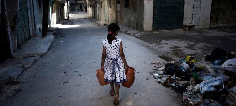 """17 اکتبر روز جهانی """"ریشه کن کردن فقر"""" و تأثیر آن بر رشد مغز کودکان"""